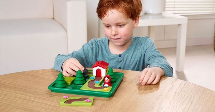 Little Red Riding Hood game by Smart Toys & Games