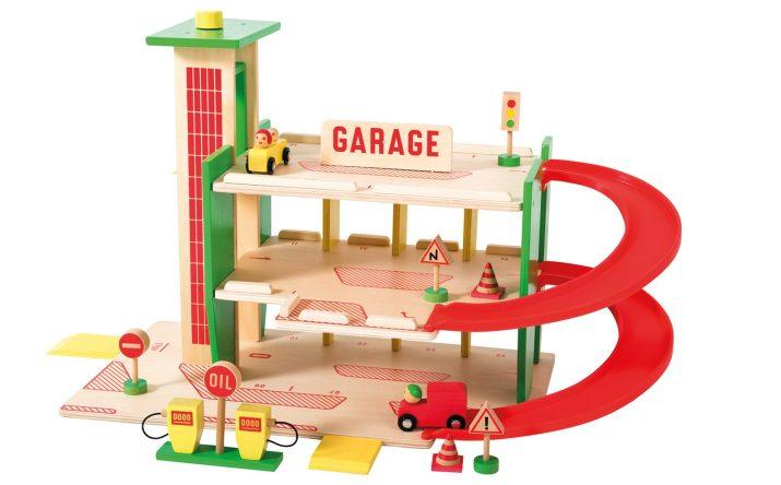 La Grande Garage • Ages 3+ • $115