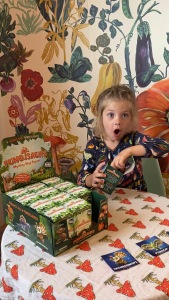 Just look at this kiddo's surprise and delight!